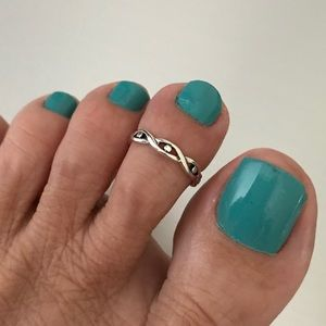 Jewelry - Sterling Silver Twist with Dots Toe Ring
